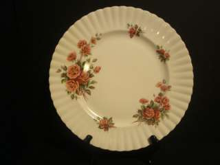 ROYAL ALBERT CENTENNIAL ROSE DINNER PLATE 10 1/2