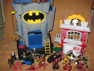 IMAGINEXT Large Lot BATMAN Batcave Spiderman SUPER HEROES w 21 Figures