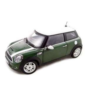 2007 Mini Cooper S Diecast Model Green 118 Kyosho Toys & Games