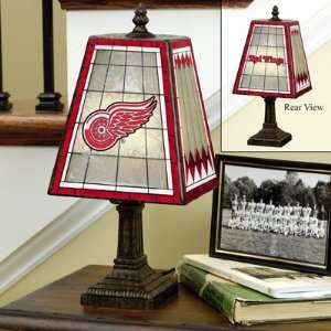 Detroit Red Wings Art Glass Table Lamp Memorabilia